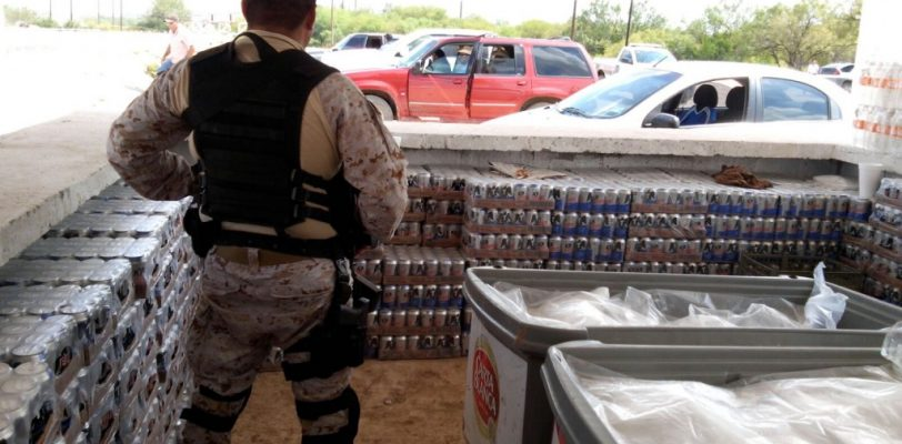 Decomisan 11 mil latas de cerveza y 23 botellas de licor en carreras de caballos