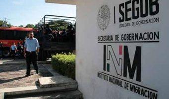 Detienen a cuatro agentes del INM por tráfico de personas