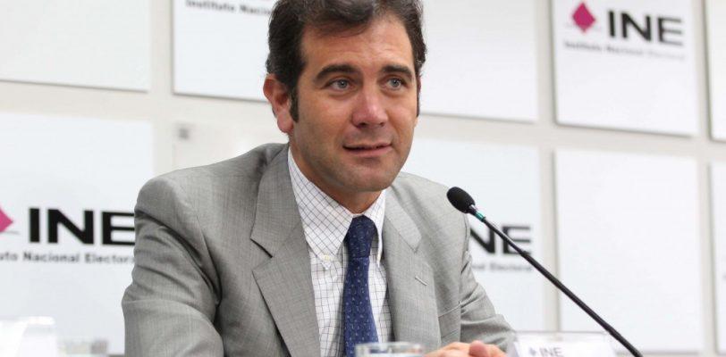 Confunde el @INEMexico a su presidente consejero con un chileno en Twitter