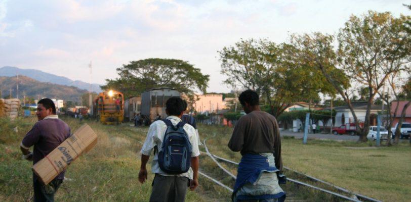 Expulsa México a miles de centroamericanos cada semana