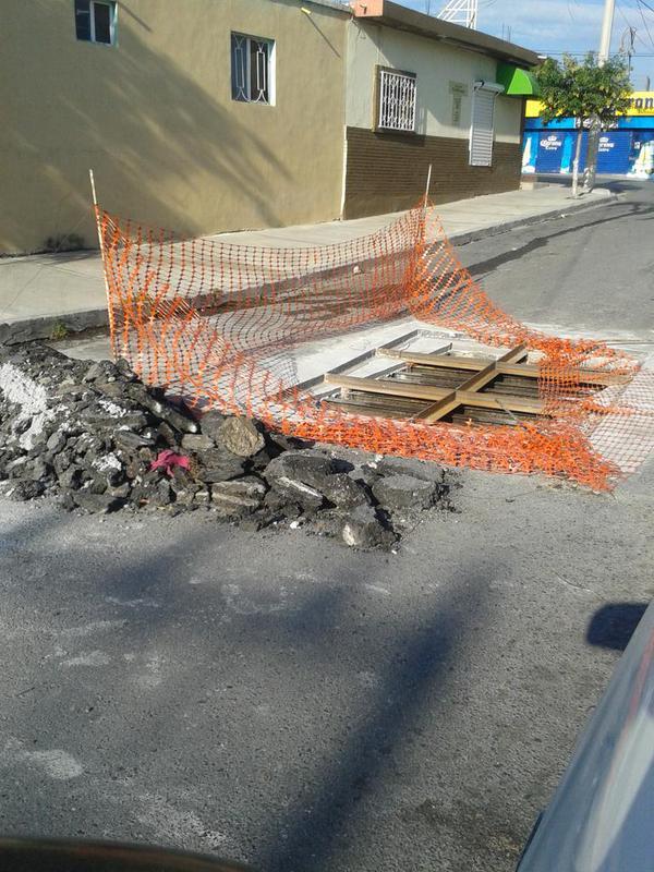 Reportan alcantarilla abierta en colonia de #Saltillo