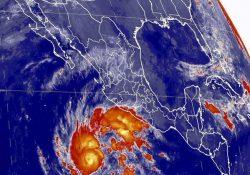 Huracán 'Sandra' se eleva a categoría 2, amenaza a las costas de 4 estados