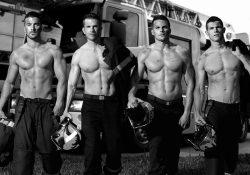 (Fotogalería) Encienden pasiones bomberos franceses con sexy calendario