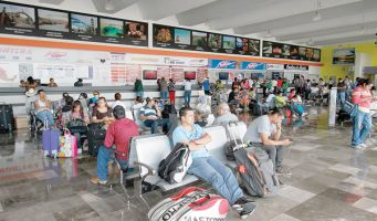 Anuncia SCT descuentos en autotransportes a maestros y estudiantes por temporada vacacional
