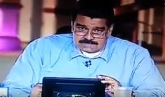(Vídeo) Nicolás Maduro lee en vivo insulto que le mandaron vía Twitter