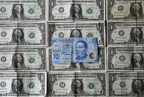 El dólar abre en nuevo máximo histórico, a diez centavos de alcanzar los 19 pesos en bancos