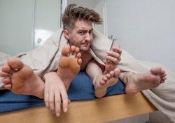 Conoce la aplicación que te busca relaciones sexuales…¡En trío!