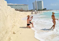 """Erosión se """"come"""" la belleza natural de Cancún"""