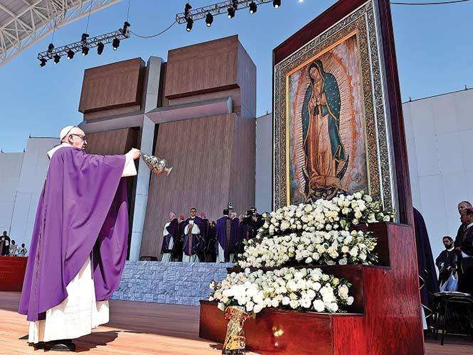 """El Papa pide atajar a los """"traficantes de muerte""""; se debe ser solidario y no insensible"""