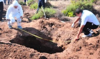 Reportan hallazgo de 662 cuerpos en 201 fosas; identifica PGR sólo al 18% de las víctimas