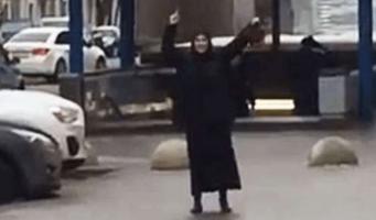 VIDEO: Detienen a niñera que paseaba con cabeza de niña en Moscú