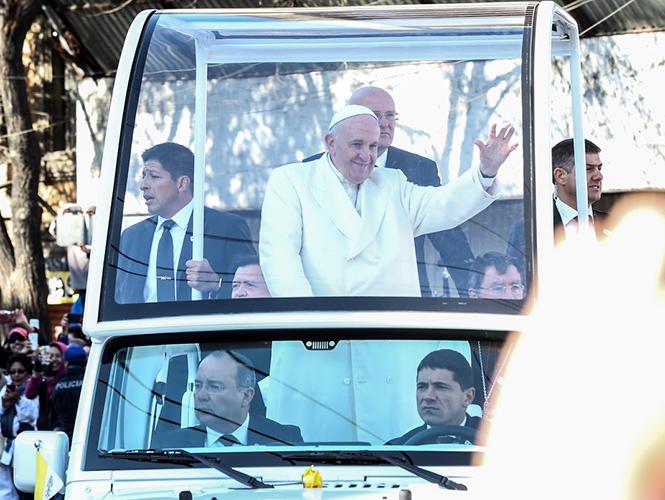 Llega el Papa Francisco a Michoacán; sigue los detalles en vivo desde estadio V.Carranza