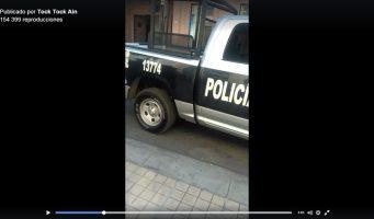 Policías intentan detener a joven por cantar mientras caminaba