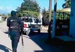 """(VIDEO) Policías de Sinaloa huyen ante """"grito"""" de ayuda para salvar a un hombre de un comando armado"""