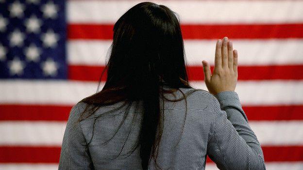 Por falta de informacion un 16% de mexicanos en EU no han obtenido su nacionalidad