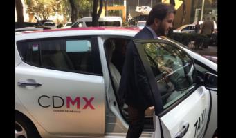 Presumen políticos sus viajes en transporte público durante contingencia en CDMX