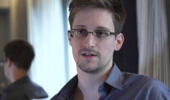 Los gobiernos espían a los ciudadanos como a los terroristas: Snowden