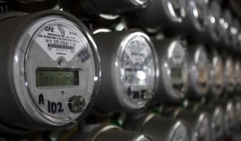 La CFE  acelera su deterioro financiero