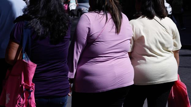 Universidad cambia kilos por dinero en Nuevo León