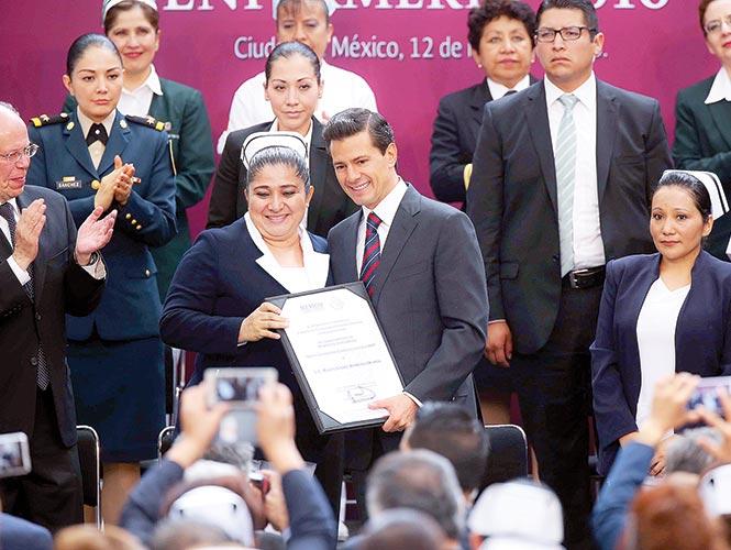 Peña resalta salud económica en el Día internacional de la enfermería