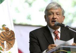 López Obrador pide revisar reforma educativa, no derogarla