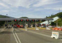 Policía Federal reporta bloqueos en Oaxaca y Guerrero