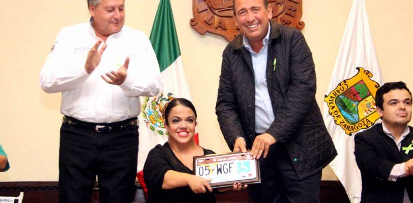Decretan en Coahuila Día Estatal de las Personas de Talla Pequeña