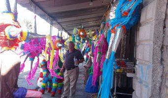 ´Le Messie´, el piñatero mas famoso de Saltillo