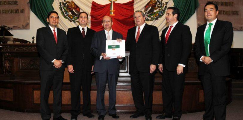 Presentan paquete fiscal en Coahuila para 2017