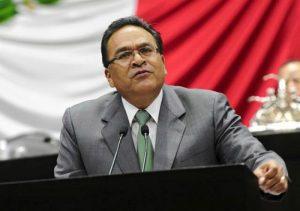 Regresa Javier Guerrero a su curul, tras un año de ausencia