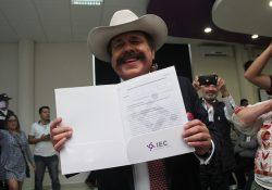 Se registra Armando Guadiana como candidato de Morena a Gobernador
