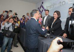 Se registra Guillermo Anaya ante el IEC como candidato a Gobernador