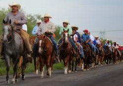 Invitan a la cabalgata santo domingo-sabinas 2017