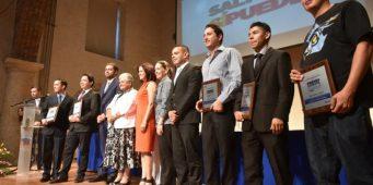 ¿Conoces jóvenes destacados? postulalos al premio Municipal a la Juventud