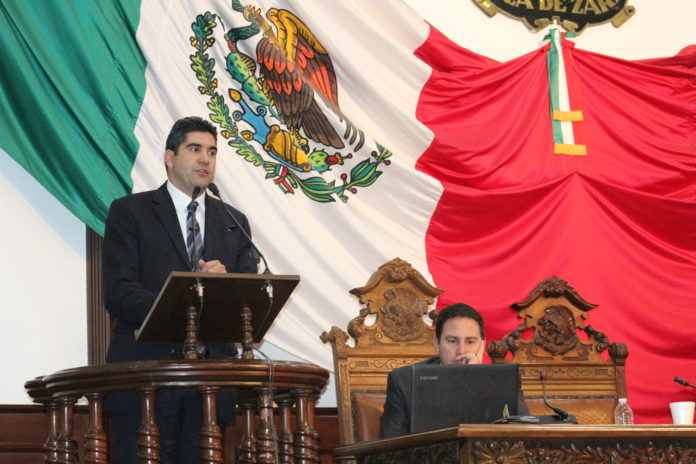 Impugnará PAN entrega de 81 fiats notariales