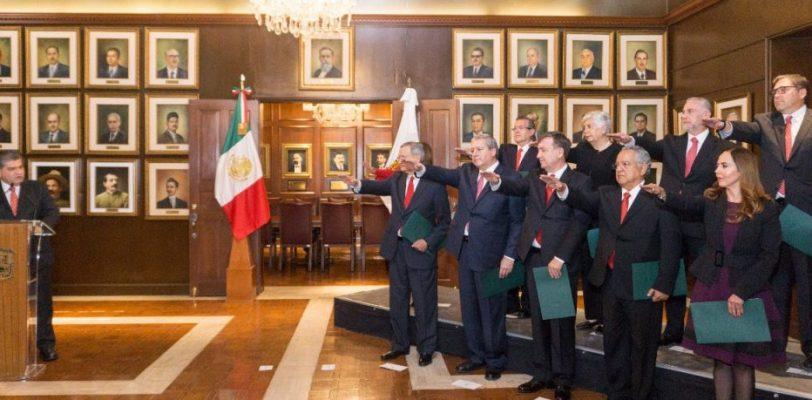 Conoce los perfiles del gabinete parcial que presentó Miguel Riquelme