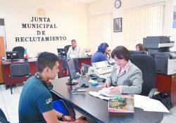 Inician trámites para liberar cartillas militares en la Junta Municipal de Reclutamiento