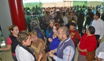Ayuntamiento dialoga con ex trabajadores, acuerda revisión de sus casos
