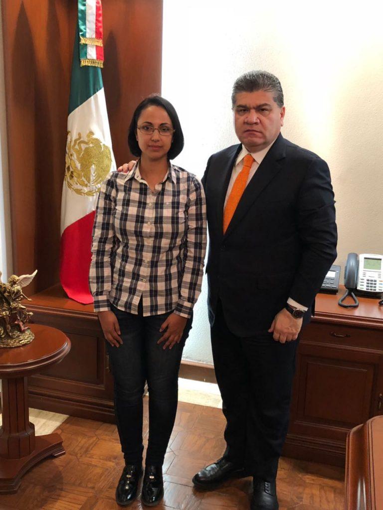 Se reùne Gobernador con Reyna Oviedo Barrales para atender su demanda en relaciòn con la defensa de los derechos de sus hijos