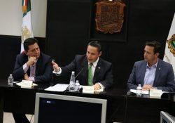 Se reúne secretario de Seguridad con diputados