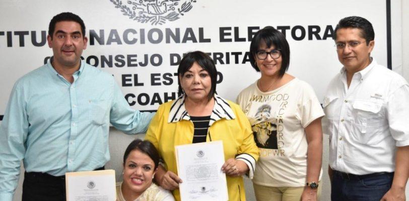 Es oficial Martha Garay recibe constancia del triunfo por la diputación  del  distrito 4