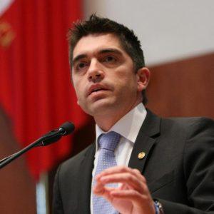 Renuncia Luis Fernando Salazar al PAN, se va a Morena