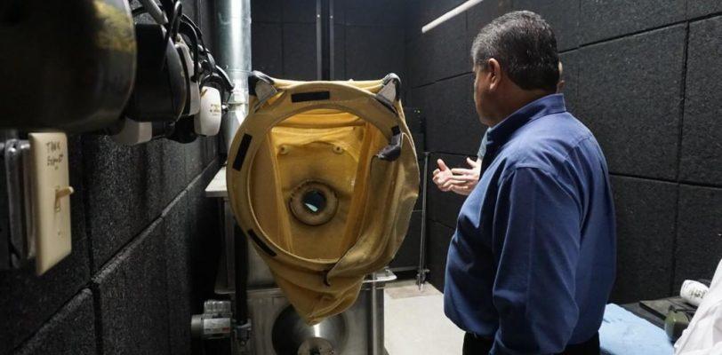 Gobernador Miguel A. Riquelme visita laboratorio de criminología de Louisiana