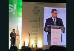 Se entrega primer informe de trabajo impreso del Gobernador Miguel Ángel Riquelme Solís