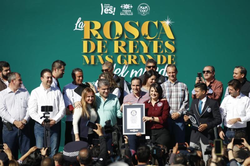 Impone Saltillo récord Guinness con la rosca de Reyes más grande del mundo