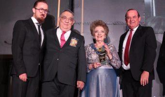 Entregan Premio al Mérito Empresarial Restaurantero en Saltillo