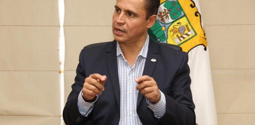 Verifican seguridad de taxis de Torreón