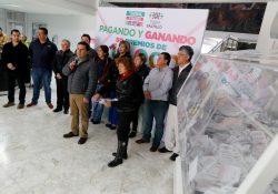 Premia Municipio a otros 50 contribuyentes cumplidos