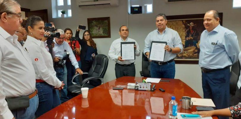 Monclova y Abasolo firman convenio con el ICAI