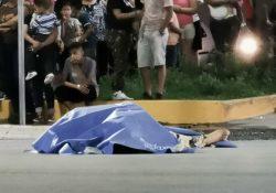 Muere mujer atropellada, traía en brazos a su bebé de 3 meses